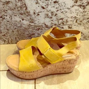 Børn cork wedge sandals in 9M yellow leather